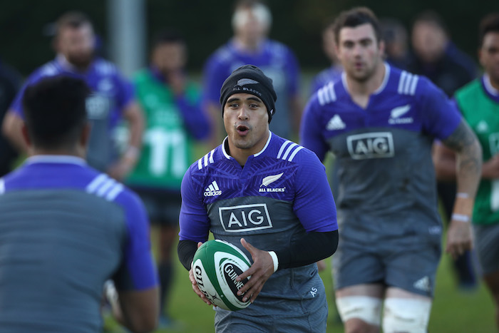 DUBLIN, IRELAND - NOVEMBER 15:  Aaron Smith of the All Blacks during a New Zealand All Blacks training session at the Westmanstown Sports Complex on November 15, 2016 in Dublin, Ireland.  (Photo by Phil Walter/Getty Images)